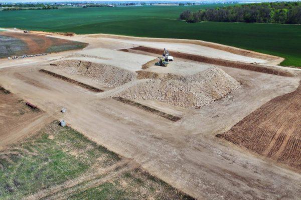 Production d'un clip pour le groupe colas. Images aériennes par drone et plans au sol avec DJI Ronin. Le film d'entreprise à été tourné à Bourges.