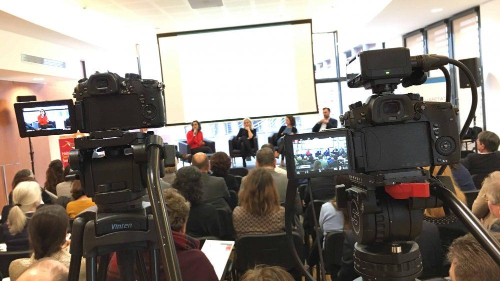 Captation en vidéo d'une conférence sur la télé-médecine en Poitou-Charentes.